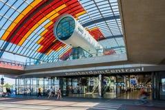 Nowy tylny wejście i dworzec autobusowy Amsterdam centrali stacja Obrazy Stock