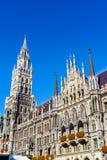 Nowy urząd miasta Neues Rathaus na Marienplatz w Monachium Zdjęcie Stock