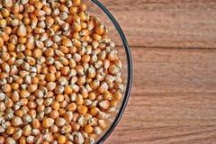 Noyaux de maïs éclaté photo stock