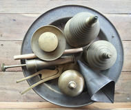 Noz de bétele feita do bronze Imagens de Stock