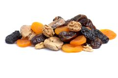 Nozes e coleção secada das frutas no branco. Fotos de Stock Royalty Free
