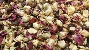 Nozes vendidas no mercado da especiaria em Turquia imagens de stock