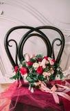 nozze Il mazzo del ` s della sposa Mazzo di cerimonia nuziale Un mazzo dei fiori rossi fotografia stock