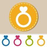 Nozze Ring With Heart - illustrazione piana dell'icona di vettore - isolato su bianco Immagine Stock