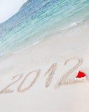 Nr. 2012 auf tropischem Strandsand Lizenzfreie Stockfotografie