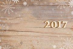 Nr. 2017 auf hölzernem Hintergrund Stockbild