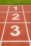 1 Nr. 2 3 auf Rennstrecke im Fußballstadion Lizenzfreies Stockfoto
