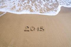 Nr. 2015 auf Strand Stockfotografie