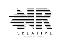 NR de Gestreepte Brief Logo Design van N R met Zwart-witte Strepen Stock Fotografie
