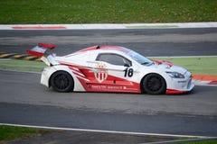 Nr del coche de la taza de Lamera 18 - Monza 2014 8 horas de raza Imagenes de archivo