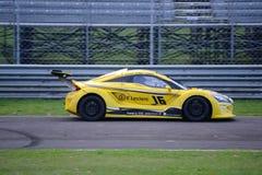 Nr del coche de la taza de Lamera 16 - Monza 2014 8 horas de raza Imagen de archivo