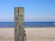 Nr del poste de la playa. 43-250 Imágenes de archivo libres de regalías