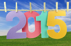 Nr. 2015, die an einer Wäscheleine hängt Stockbild