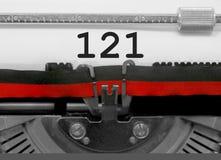 Nr. 121 durch die alte Schreibmaschine auf Weißbuch Stockbilder