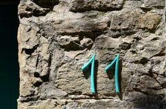 11 Nr. elf auf der alten Wand Stockbild