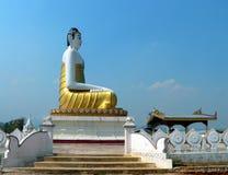 nr för buddha burma bergstoppnamsaw Arkivfoto