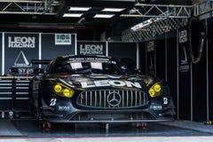 Nr 65 K2 R&D Leon Racing Team Mercedes SLS AMG GT3 in kuilen tijdens bij het Ras 2017 Ronde 7 van Chang Super GT Royalty-vrije Stock Afbeeldingen