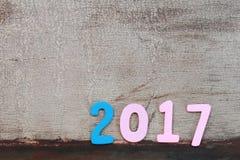 Nr. zwei tausend sieben des hölzernen Textes auf braunem altem Holzfußboden Lizenzfreie Stockfotos