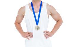 Närbild av idrottsman nen med den olympic medaljen Royaltyfri Foto