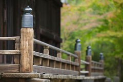 Närbild för detalj för Japan Kyoto Ninna-ji tempel arkitektonisk Fotografering för Bildbyråer