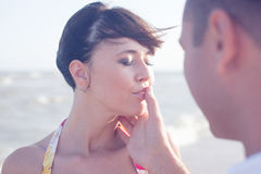 Íntimo 'sexy' bonito e pares apaixonado Fotos de Stock Royalty Free