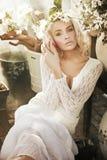 nätt barn för blond lady Royaltyfria Bilder