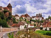 Nätt medeltida stad, Bourgogne, Frankrike Arkivfoto