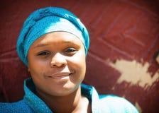 Nätta unga söder för stående - afrikansk kvinna Royaltyfri Fotografi