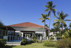 Nu het alle-Inclusieve die Hotel van Larimar bij het Bavaro-strand in Punta Cana, Dominicaanse Republiek wordt gevestigd Royalty-vrije Stock Foto's