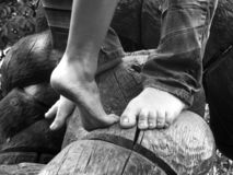 Nu-pieds sur des lifes Photos libres de droits