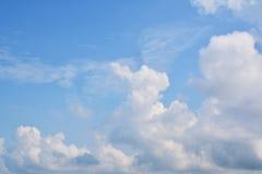 nuage de ciel Photos stock