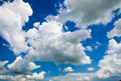 Nuage de ciel bleu Photos libres de droits