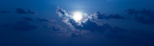 Nuage de ciel de Sun Photos stock