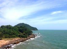 Nuage de ciel de montagne d'océan de paysage marin image stock
