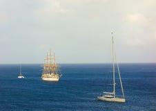 Nuage deux de mer arrivant à la baie d'amirauté Photo stock