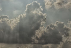 Nuage en ciel bleu Photos libres de droits