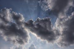 Nuage en ciel bleu Photographie stock libre de droits