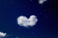 Nuage en forme de coeur Photographie stock