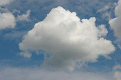 Nuage pelucheux photo stock