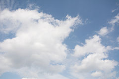 Nuage sur le ciel Photographie stock libre de droits