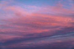 Nuages étonnants de coucher du soleil Image libre de droits