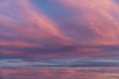 Nuages étonnants de coucher du soleil Photo stock