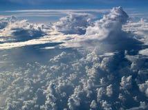 Nuages au-dessus d'Océan atlantique photographie stock libre de droits