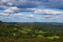 Nuages au-dessus de Dartmoor Photographie stock libre de droits