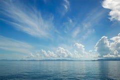 Nuages au-dessus de l'Océan Indien Images libres de droits