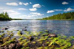 Nuages au-dessus de lac Photos libres de droits