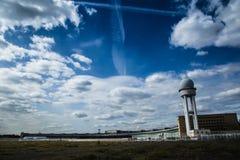 Nuages au-dessus du Tempelhof Images libres de droits