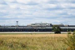 Nuages au-dessus du Tempelhof Photographie stock libre de droits