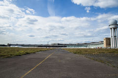 Nuages au-dessus du Tempelhof Photos stock