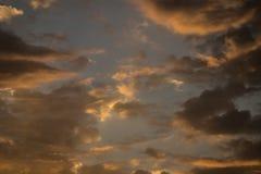 Nuages au lever de soleil Photographie stock libre de droits